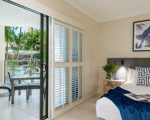 port-douglas-1bedroom-apartments-pool-deck1