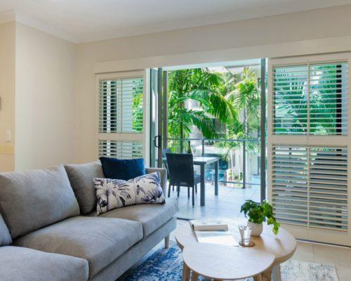 port-douglas-1bedroom-apartments-pool-view2